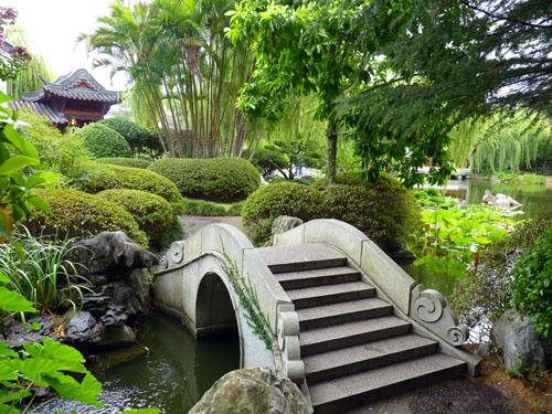 Lovely Chinese Garden