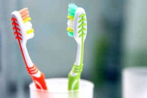 01-How-Bad-is-it-to-Share-a-Toothbrush-159311405-ABykov-1024x683