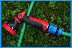 Garden-Hose-with-Adjustable-Nozzle